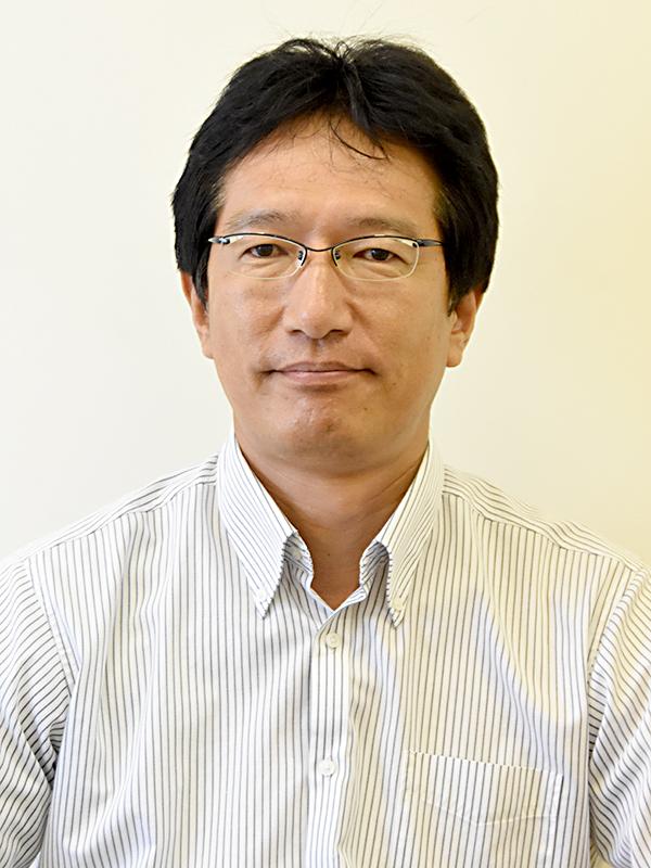 教授 関矢 貴秋