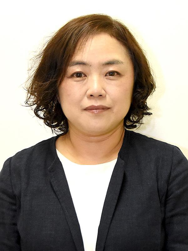准教授 篠原 真弓